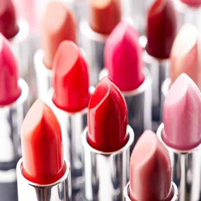 Gratis je valentijnskaart versturen met een postzegel van lippenstift, sealed with a kiss