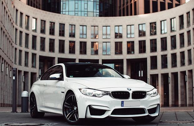 BMW M4, UC-Rent, Sportwagen, Luusmietwagn, Rüsselsheim, Mainz, Wiesbaden, Frankfurt, BMW M4 mieten. PWC Tower, Frankrut City