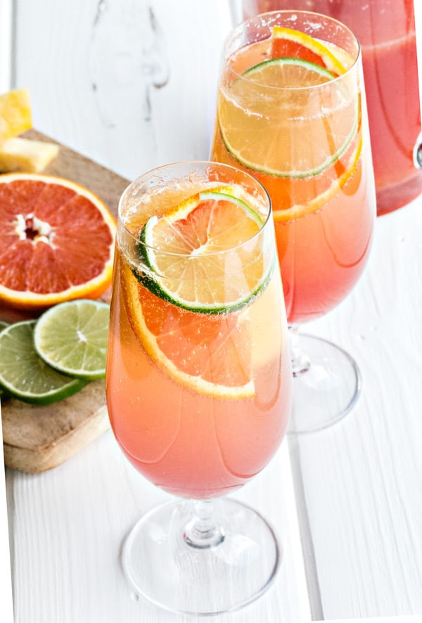 Caribbean rum punch with lime and orange slices