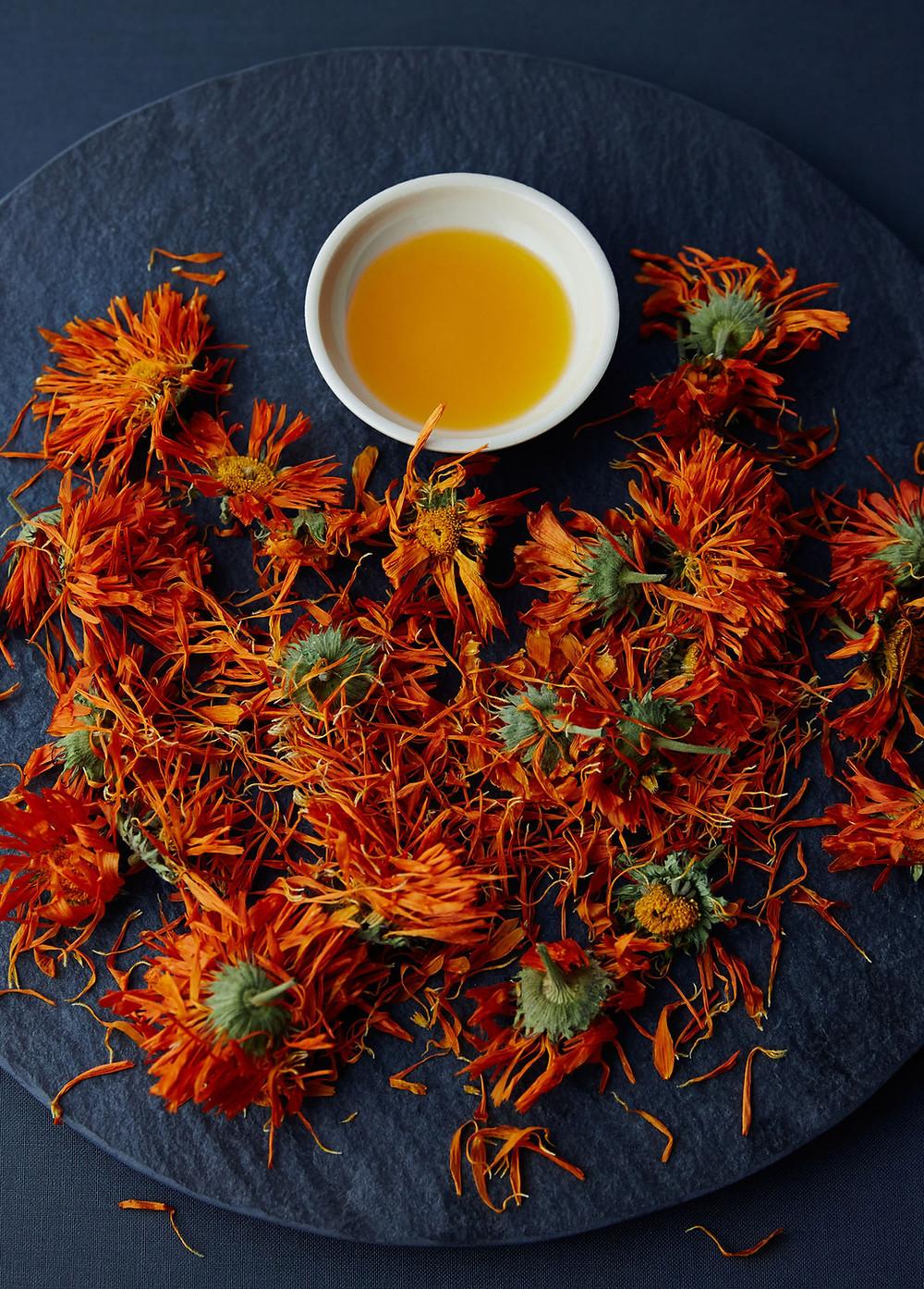 calendula-dried-golden-yellow-and-orange