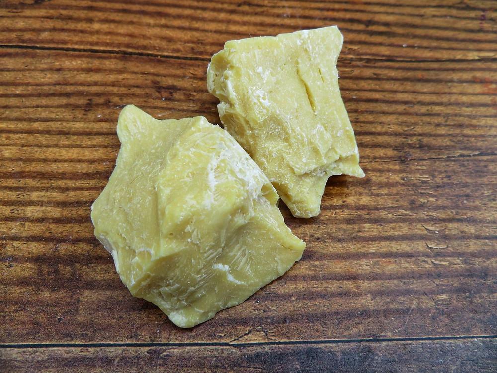 2-chunks-white-raw-unrefined-cocoa-butter