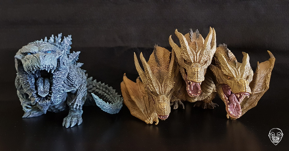 Size comparison between Deforeal King Ghidorah and Godzilla Earth 2017.