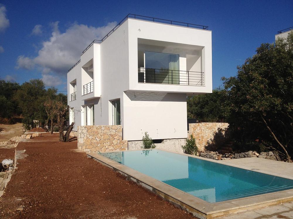 La Villa et sa piscine en aout 2015
