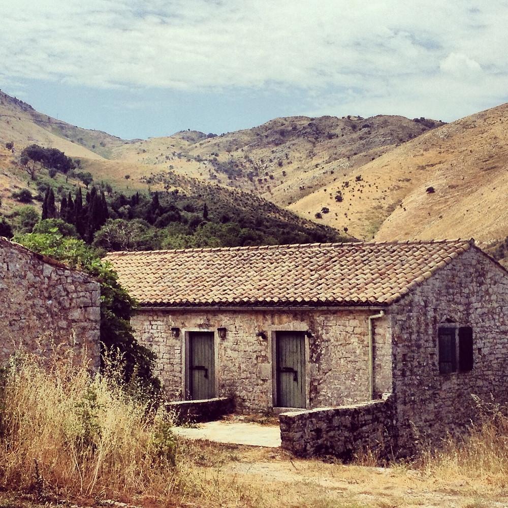 une des maisons de old Peritheia