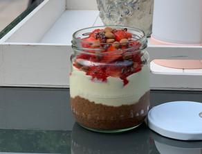 Verwenontbijtje duo penotti: chia-chocolade pudding en vanille-custard pudding