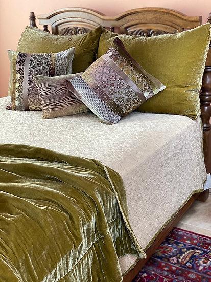 Bella Notte Adele Honeycomb Queen Coverlets