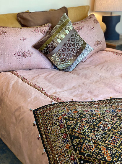 Silk sari King duvet cover set in rose gold color