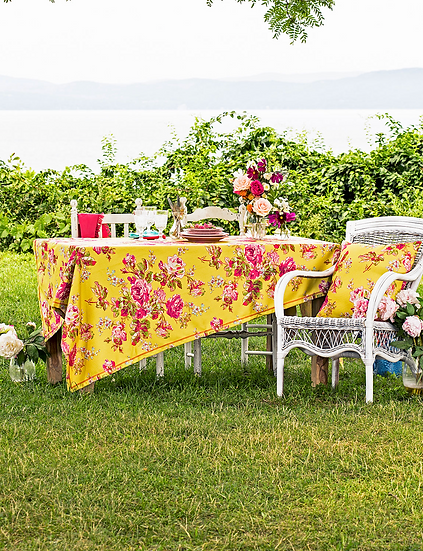"""April Cornell """"Victorian rose"""" outdoor tablecloth"""