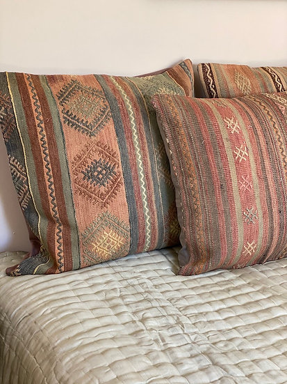 Handmade 100% wool kilim pillows from Turkey