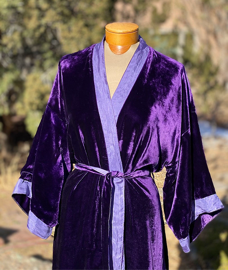Reversible fine silk velvet violet robe from Vietnam