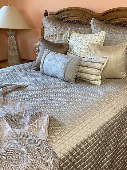 Home Treasures Anastasia King quilted coverlet