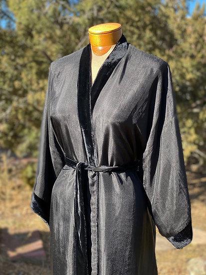 Reversible fine silk velvet black robe from Vietnam