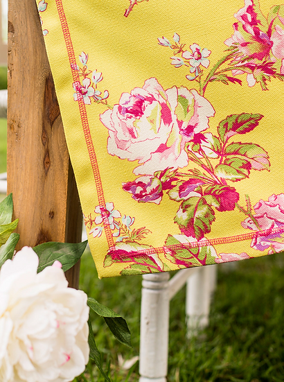"April Cornell ""Victorian rose"" outdoor tablecloth"