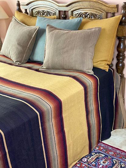 "Sergio Martinez wool bedspread ""Nico Oro"""