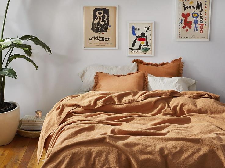 Coyuchi Loreto organic cotton queen blanket/coverlet