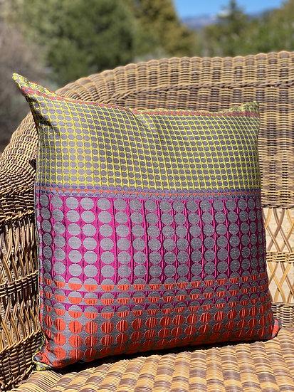 Galeano pillow