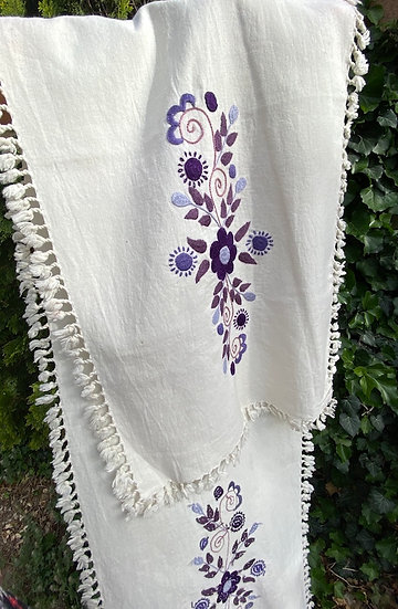Hand-embroidered runners from Ecuador (many designs)