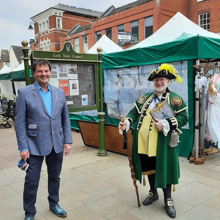 Mayor and town crier welcome Leek back to life