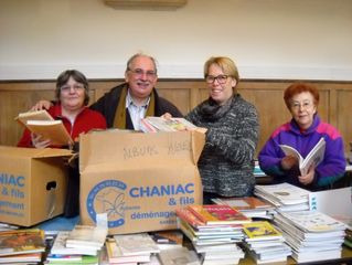 Collecte de livres pour la future bibliothèque de Salembaore
