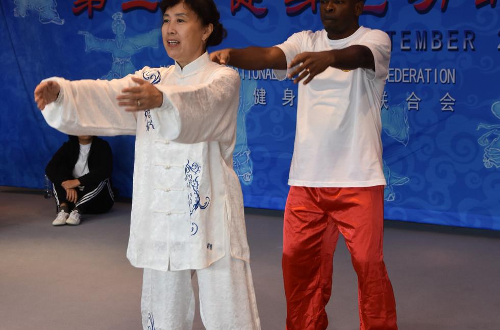 健身气功工作坊** Qi Gong Workshops **Stages de Qi Gong