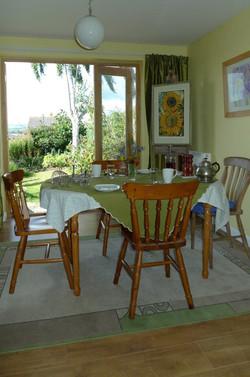 Breakfast room and garden