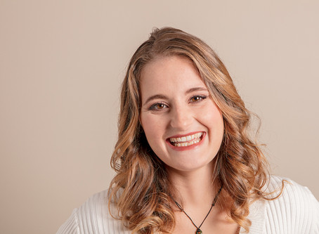 North Shore Times article: Auckland graduate and first-time author is a hit with 'mutant sci-fi&