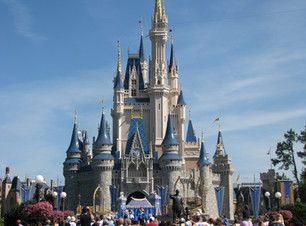 Magic_Kingdom_-_Cinderella_Castle_-_by_c