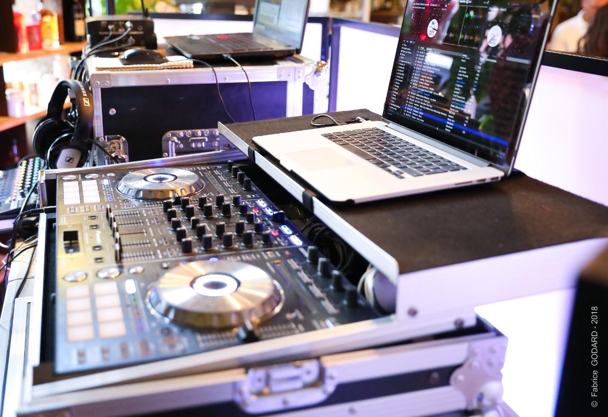 Matériel Pro DJ mariage Avignon 84