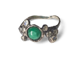 Emerald and moonstone ring