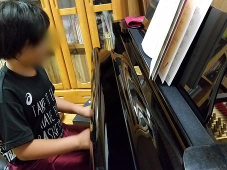 ピアノの上達のコツ・楽譜を見る(七尾市)