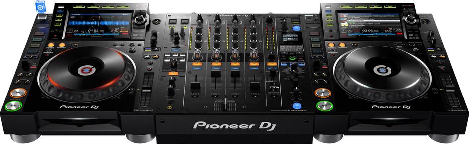CDJ-2000 NXS2 + DJM-900NXS2