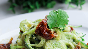 Zucchini noodles with nut cream