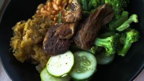 Light dinner: Parasol mushroom with vegetables, beans and sauerkraut