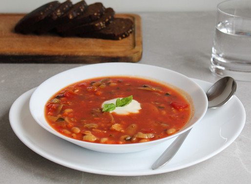 Easy and fast tomato soup