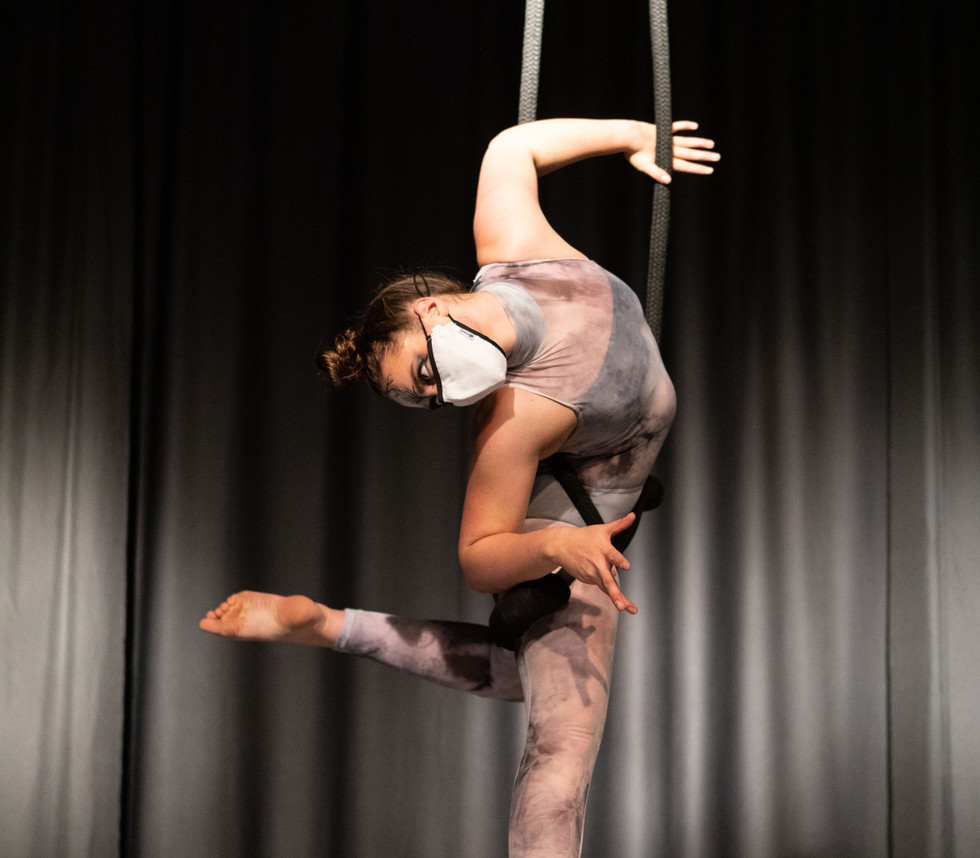 Ghost trapeze 3.jpg