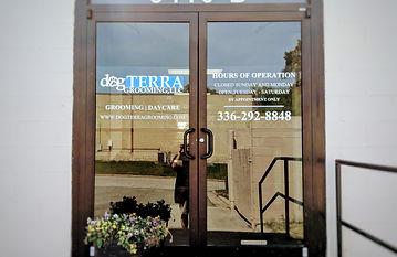 dgTERRA Grooming Entrance