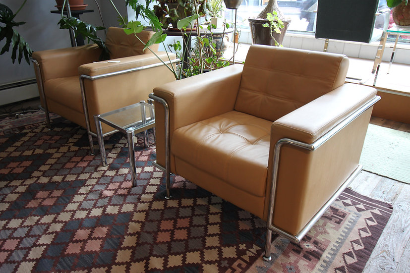 Pair Modern Le Corbusier-Style Armchairs
