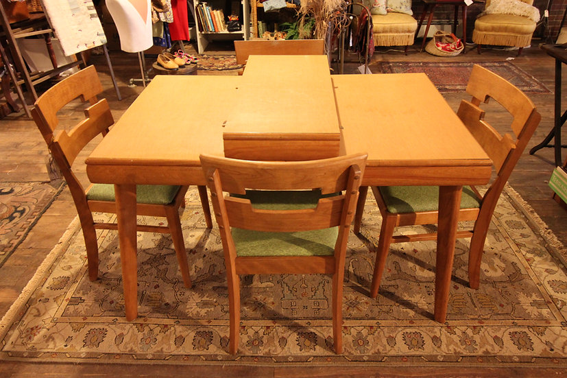 Temple Stuart Dining Table & Chairs