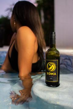 XONA - The Hungry Pineapple