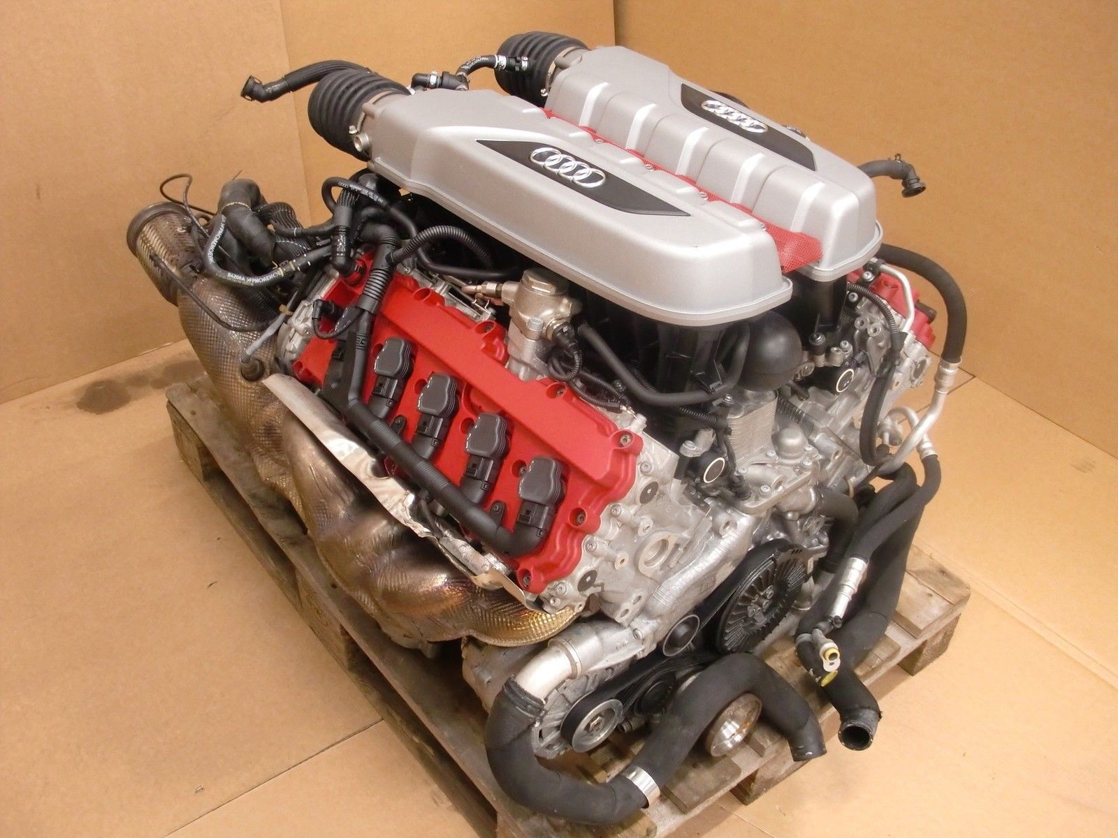 moteur v10 audi r8 fd v10.jpg