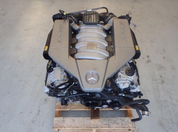 mercedes 63amg moteur en reparation MBGTCENTRE specialiste mercedes amg