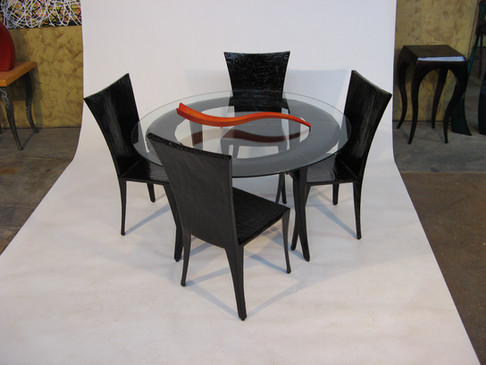 """Round dining table with """"Yeal"""" Chairs"""