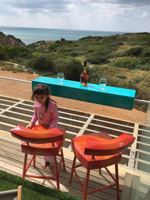 """Bar"" Chair and a custom hosting surface"