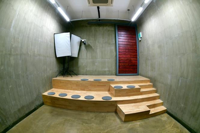 Video Hall 01