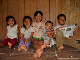 Kinder aus Llucanayacu