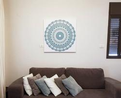 תמונה מעל הספה, מנדלה 24 כחולה