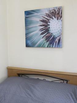 תמונה מעל המיטה, תמונת אווירה