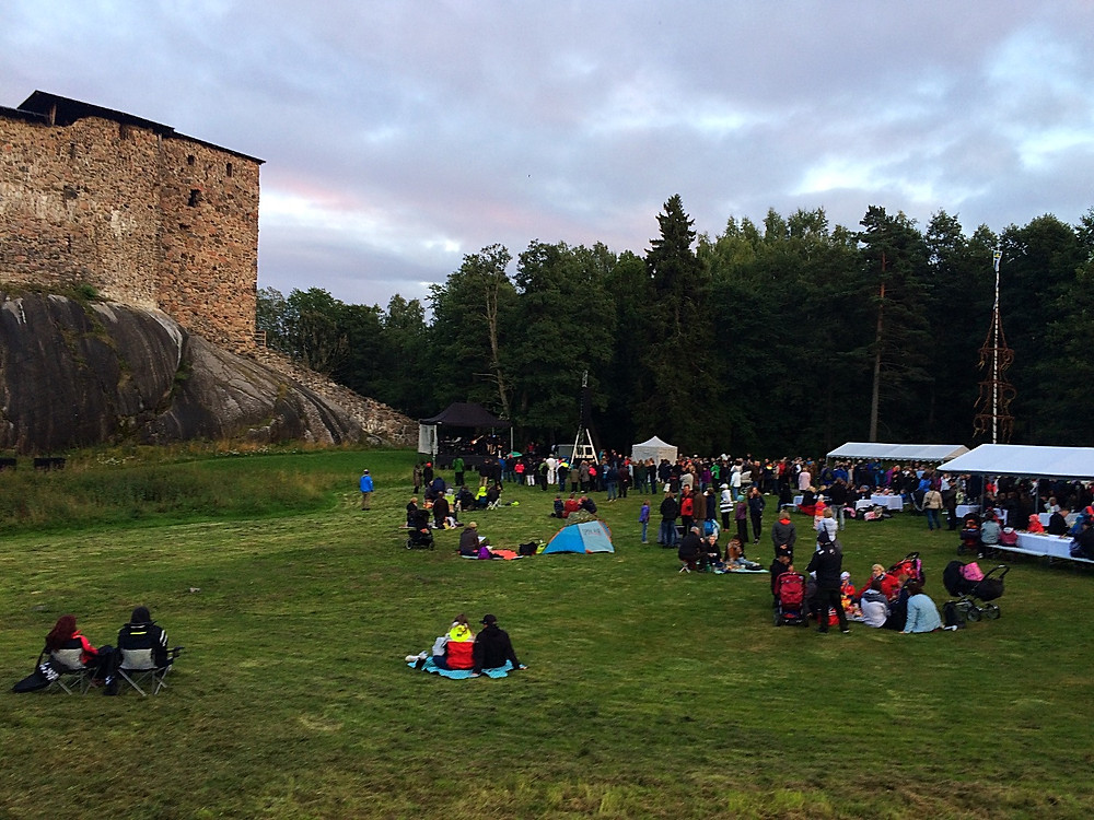 Light festival at Raseborgs Castle ruins