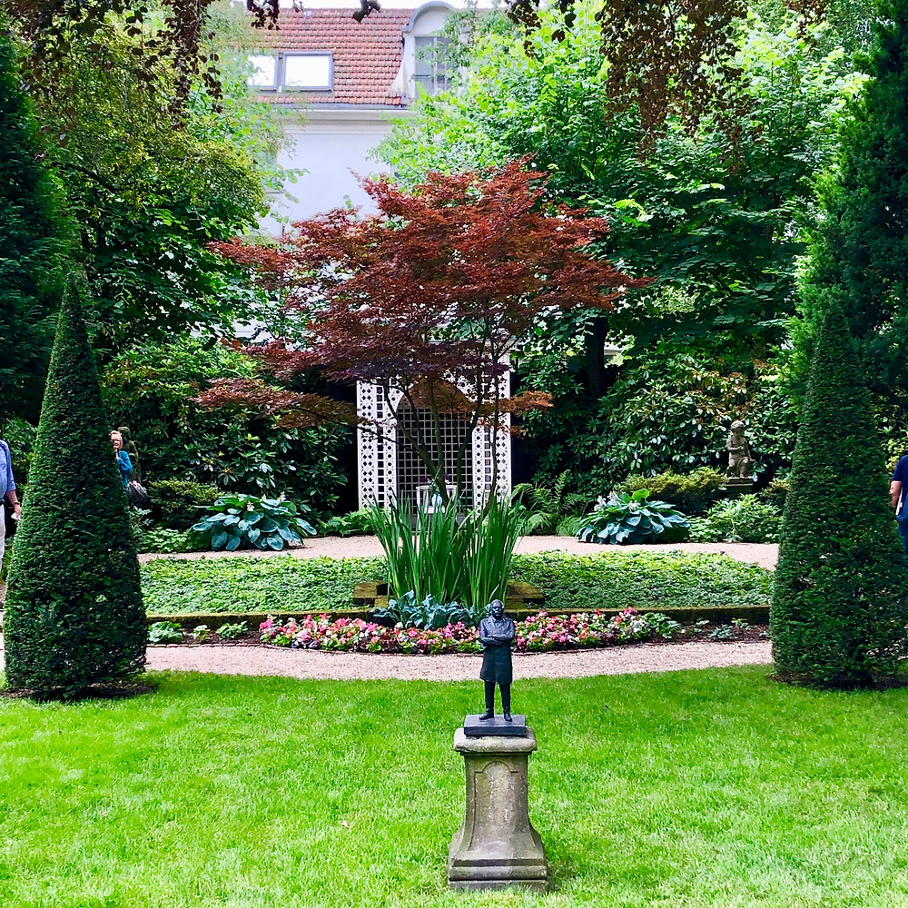 A more formal private garden