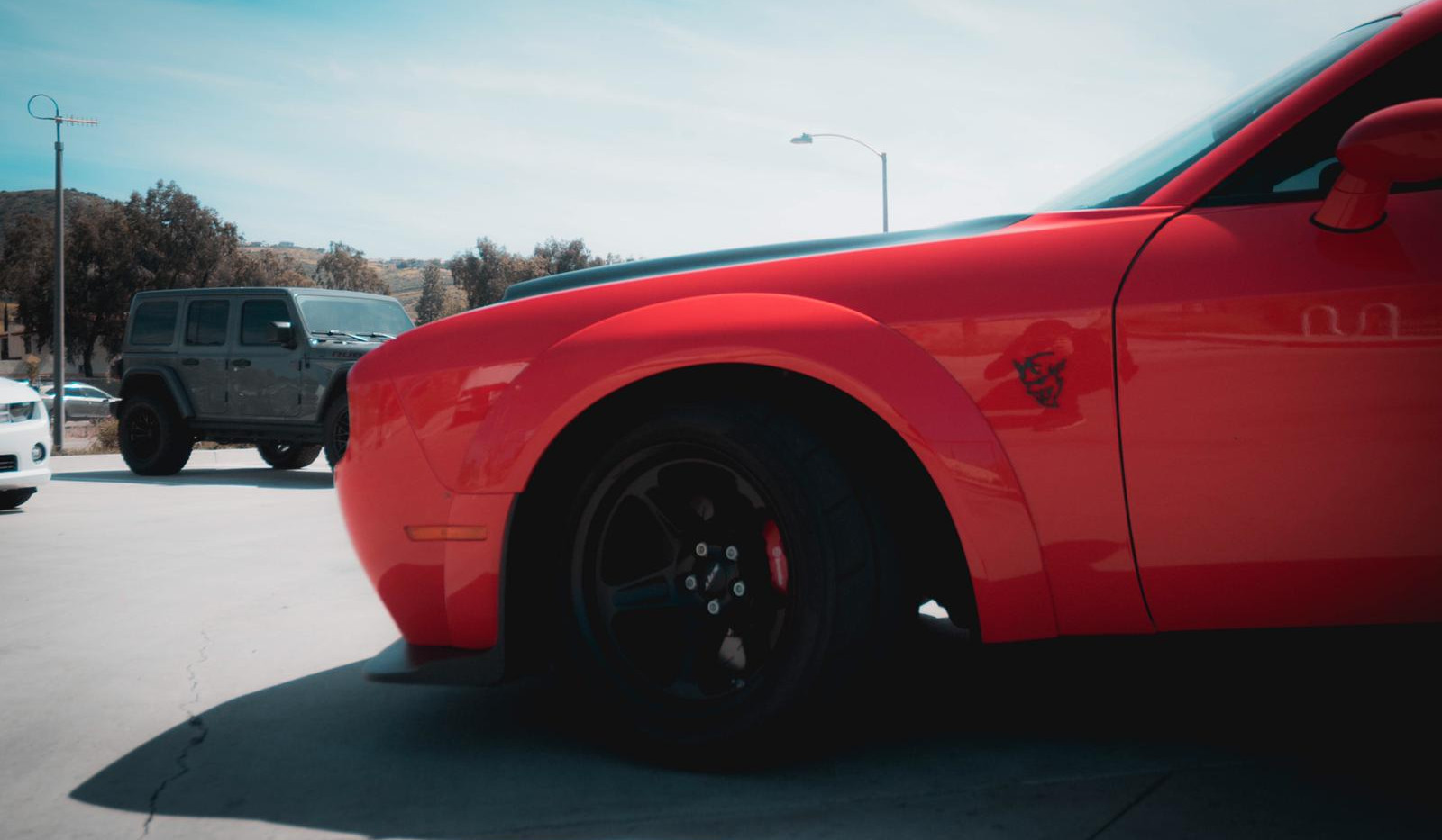 Dodge Challenger SRT Demon 2.jpg